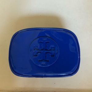 TORY BURCH SMALL PATENT LEATHER BLUE COSMETIC BAG